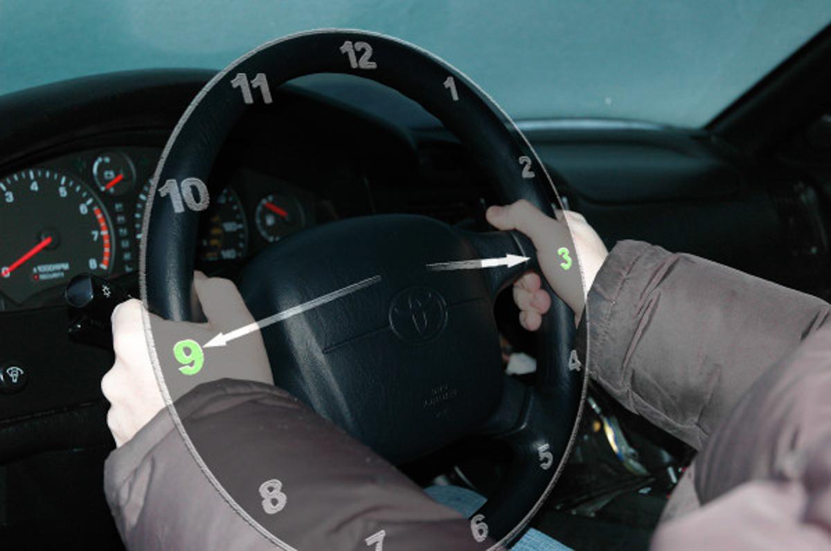 驾驶小知识:如何正确手握 Steering Wheel !