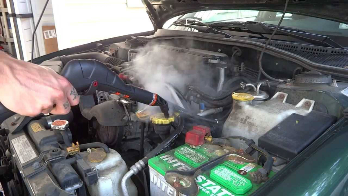 养车小知识: Engine Bay 可以用水清洗吗?