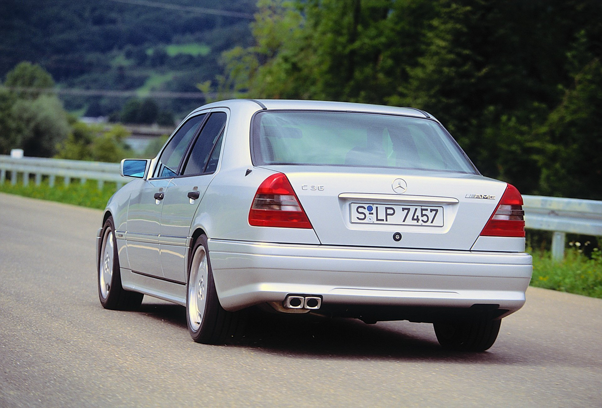 Mercedes-AMG 首部爱的结晶:C36 AMG !