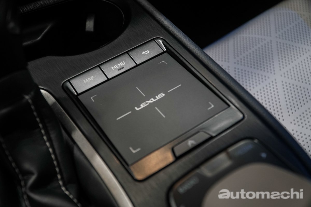 KLIMS 2018 : 2018 Lexus UX 帅气现身!