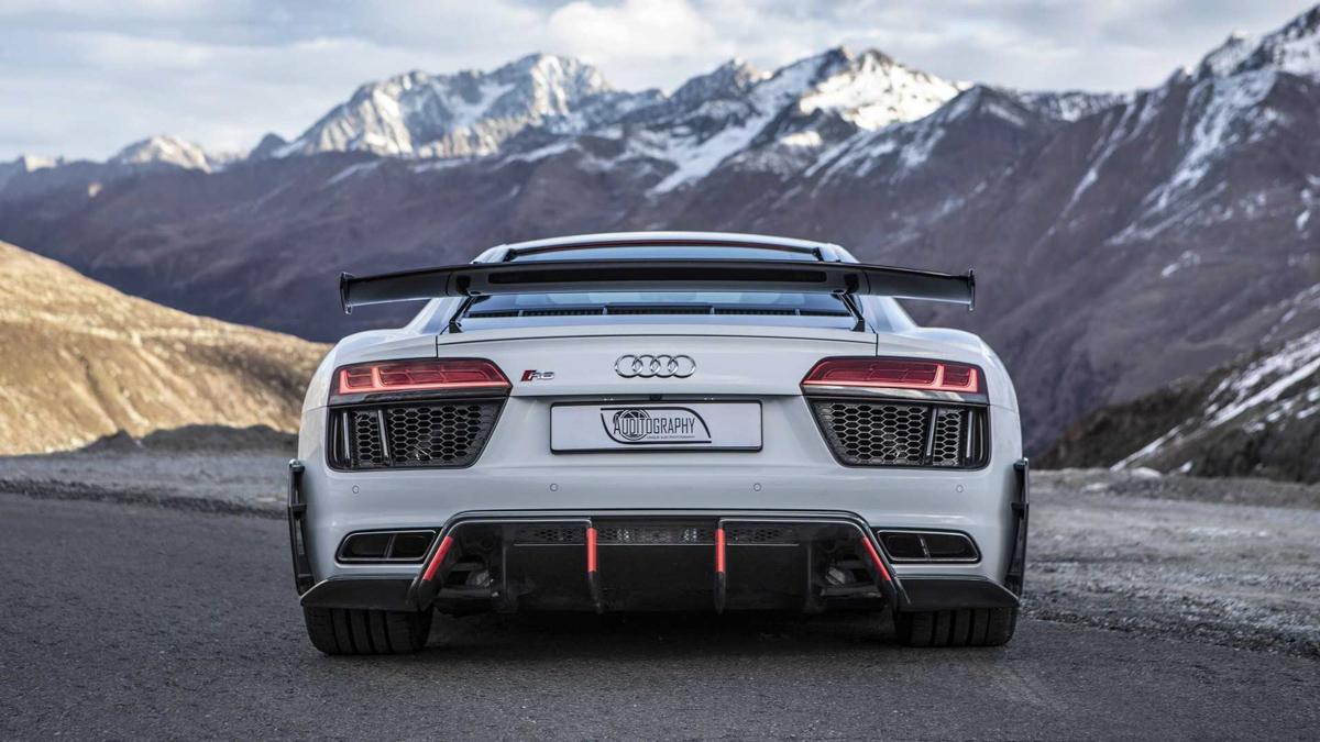 V10 的魅力! Audi R8 V10 Plus 美绝阿尔卑斯雪山!