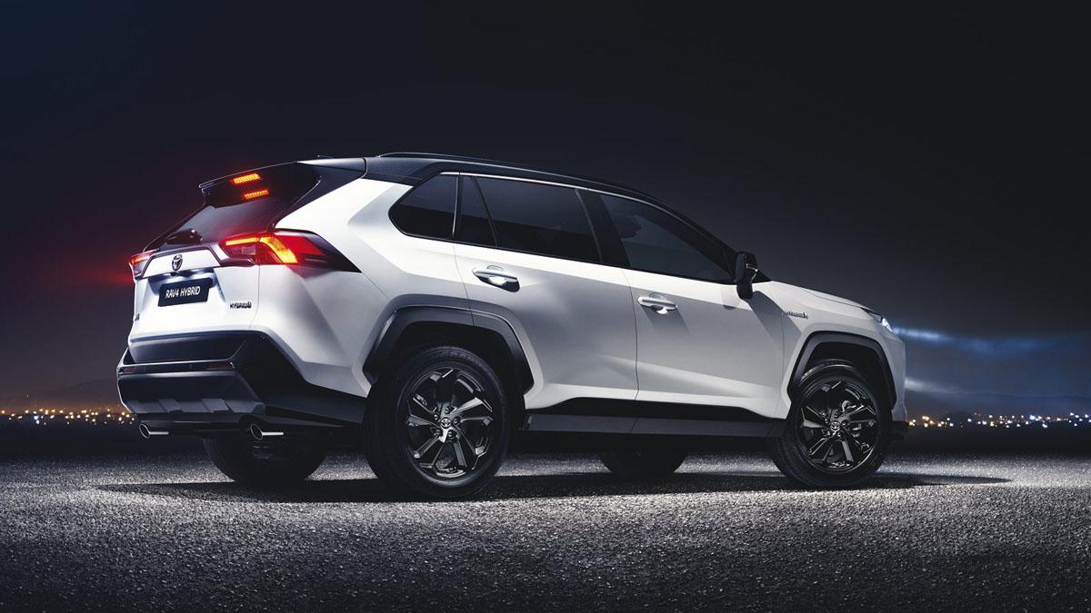 注入新血, Toyota 将更换更换近半目前高层!