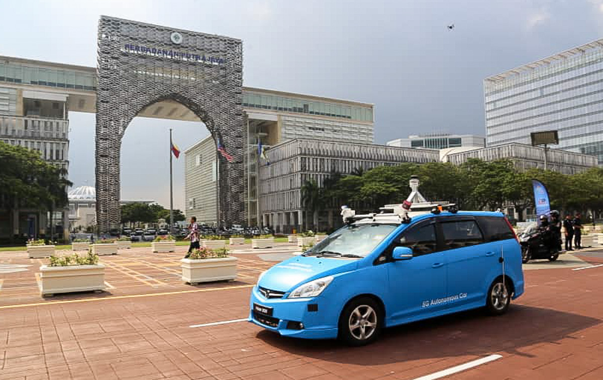 敦马现身试乘自驾 Proton Exora 原型车!