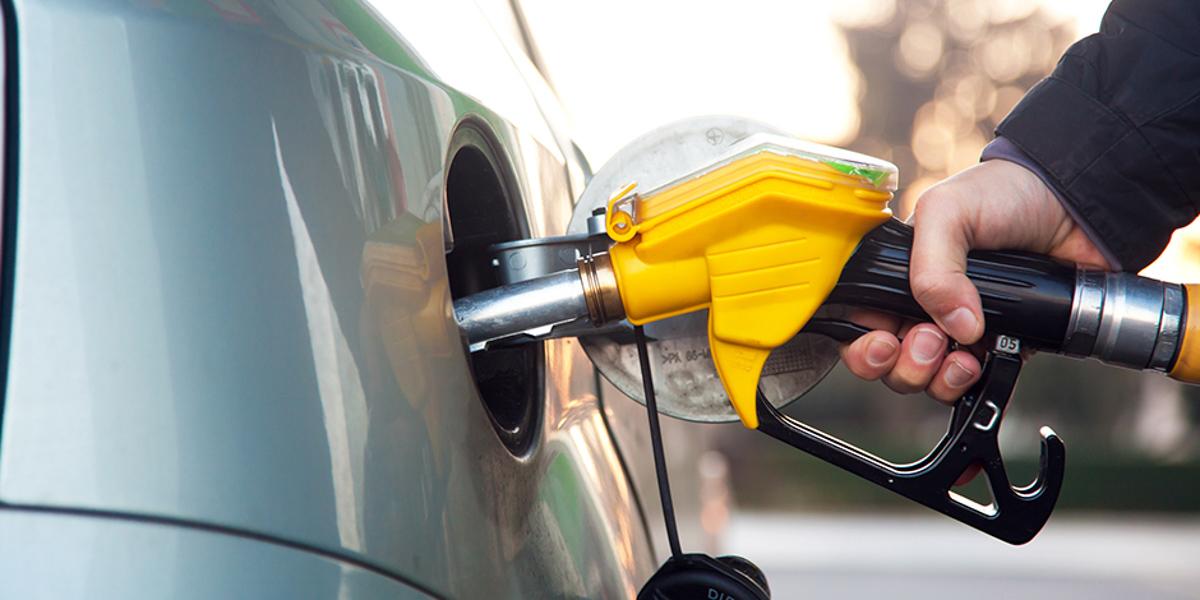 贸消部长:RON 95 汽油津贴或直接汇入户头!