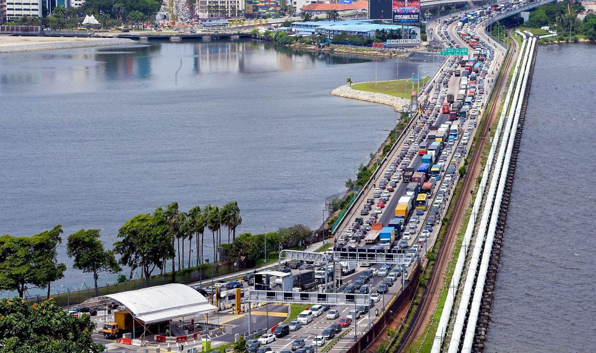 我国或效仿 Singapore ,禁欠罚单外国车入境!