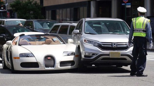 Bugatti Veyron 轻轻擦撞,维修费竟然要RM 210万!