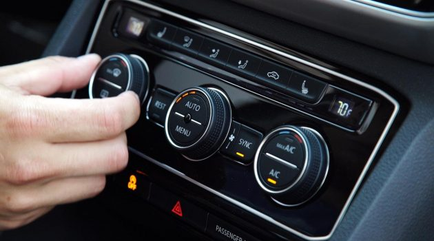 汽车冷气的 outer circulation 为什么会自动开启?