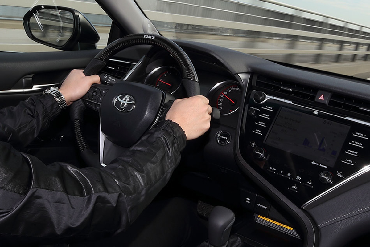 不 Uncle 的 Toyota Camry , Tom's C35 帅气登场 !