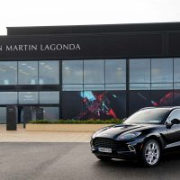 Aston Martin 英国设新厂,投产全新 Aston Martin DBX