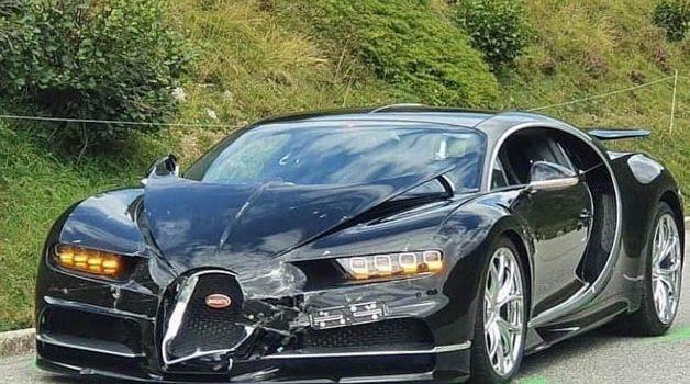 价值千万的车祸!Bugatti Chiron 与 Porsche 911 碰撞,Porsche 严重毁坏