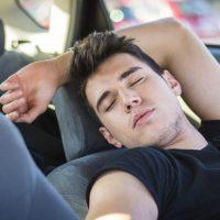 Aircond 开着在车内睡觉到底有多危险?